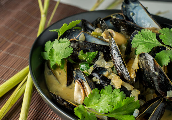 Saha Green Curry Mussels
