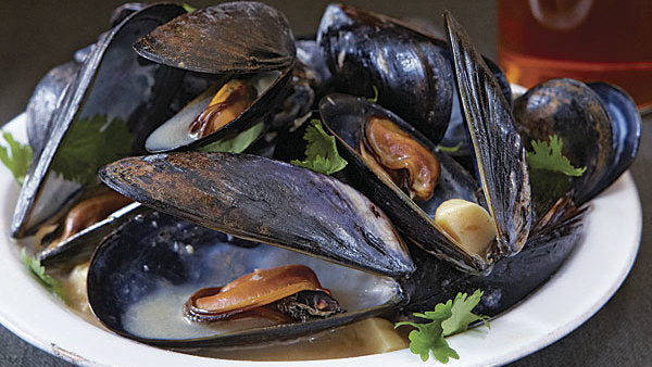 Saha Massman Curry Mussels