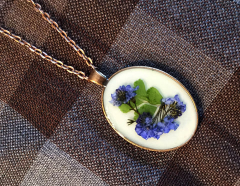 Outlander Scottish Forget Me Nots Oval Pendant Necklace - FREE SHIPPING OJ05