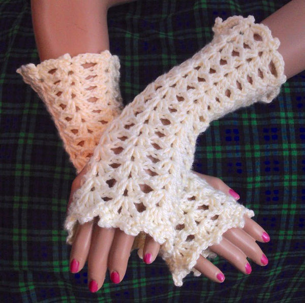 Outlander Lacy Thistle Fingerless Gloves - FREE SHIPPING