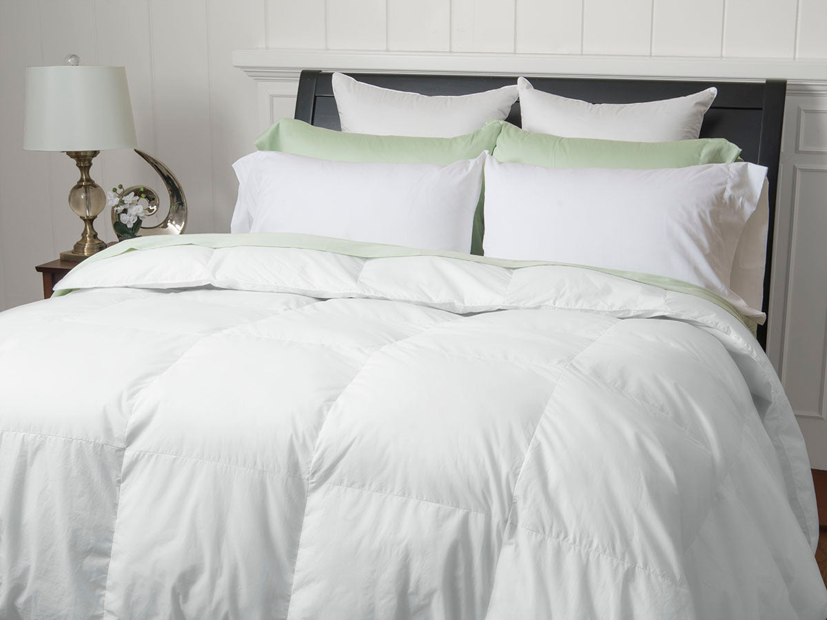 Tahoe Medium Weight White Down 400 Thread Count Comforter Level 2 Warm Things