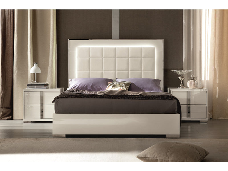 Imperia Nightstand