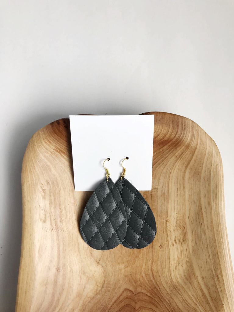 Leather teardrop earrings in Quilted Gray