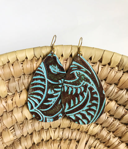 Leather teardrop earrings in Turquoise Saddle