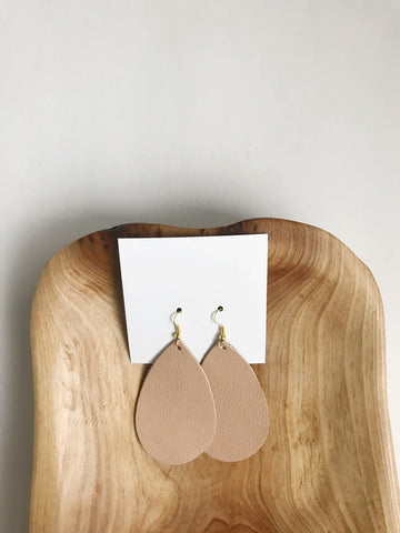 Leather teardrop earrings in Light Camel