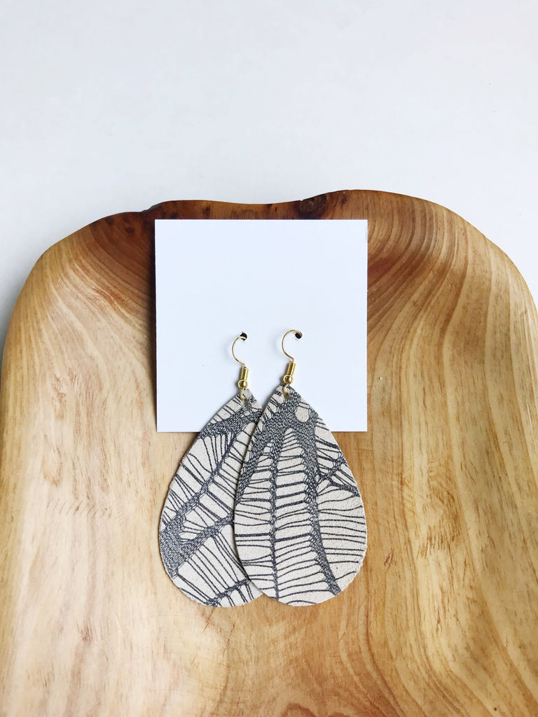 Leather teardrop earrings in Driftwood