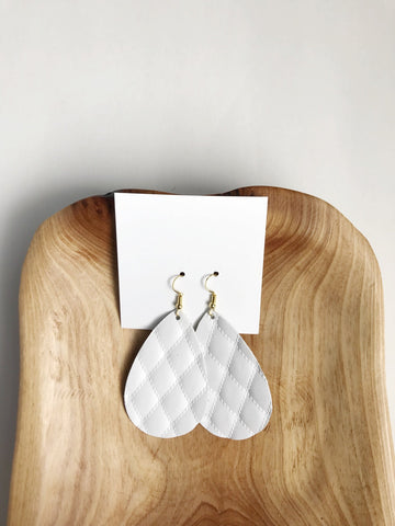 Leather teardrop earrings in Quilted White