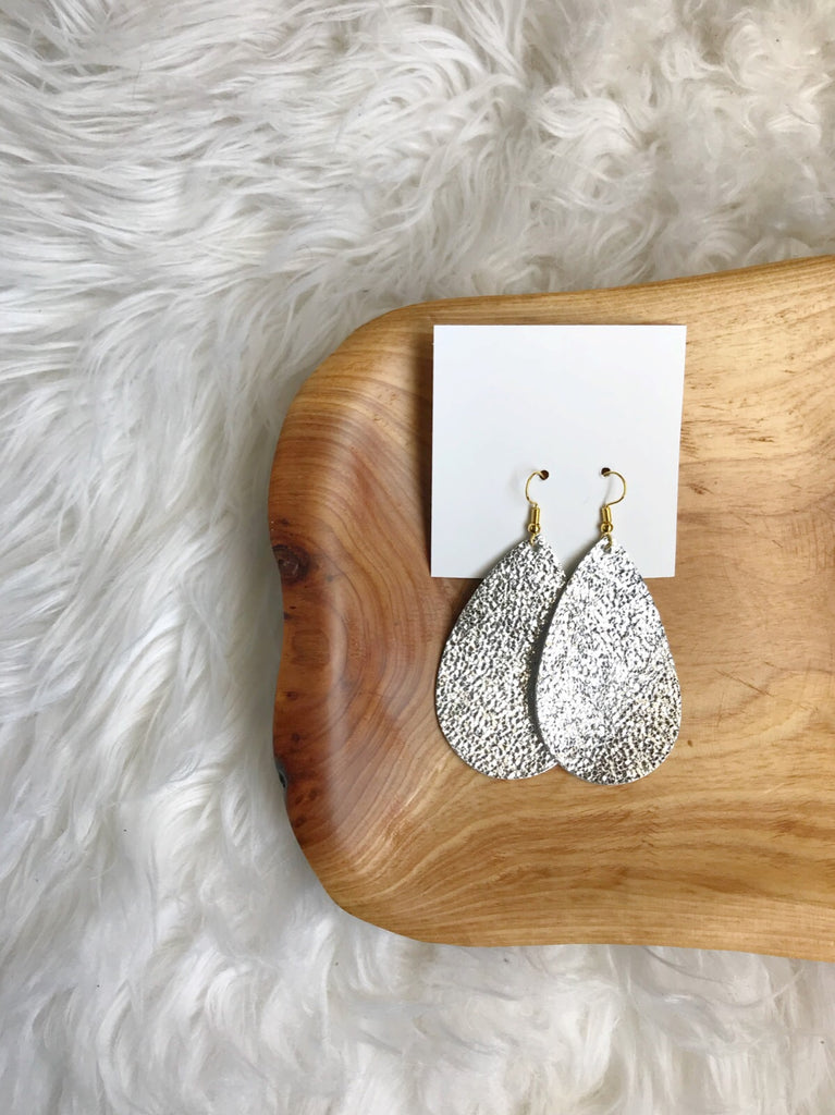 Leather teardrop earrings in Sparkly Silver