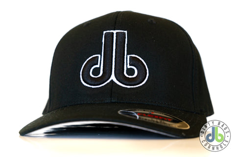 db Hat – Black on Black flexfit