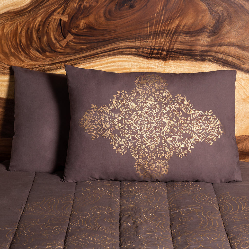 finish-gold-brown-textile