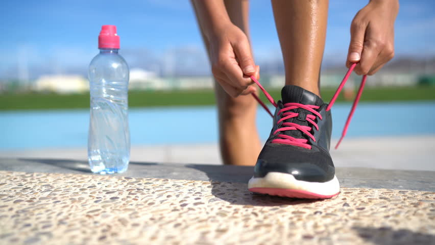 "Marathon training: ""Hydrate like it's a part-time job"" 