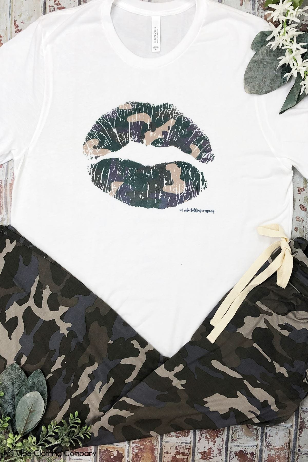 Camo Lips Graphic Tee graphic tees Mark tee Large White