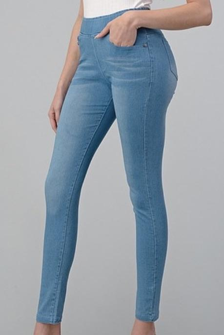 Caspian Skinnies - Lightwash Bottoms Vibe Clothing Company