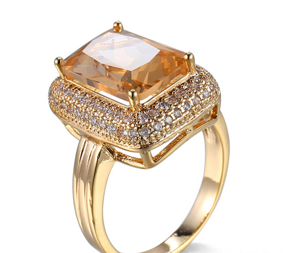 Light Champagne Delight Square-cut Zircon Ring