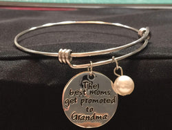 The Best Moms Get Promoted to Grandmas Adjustable Bangle