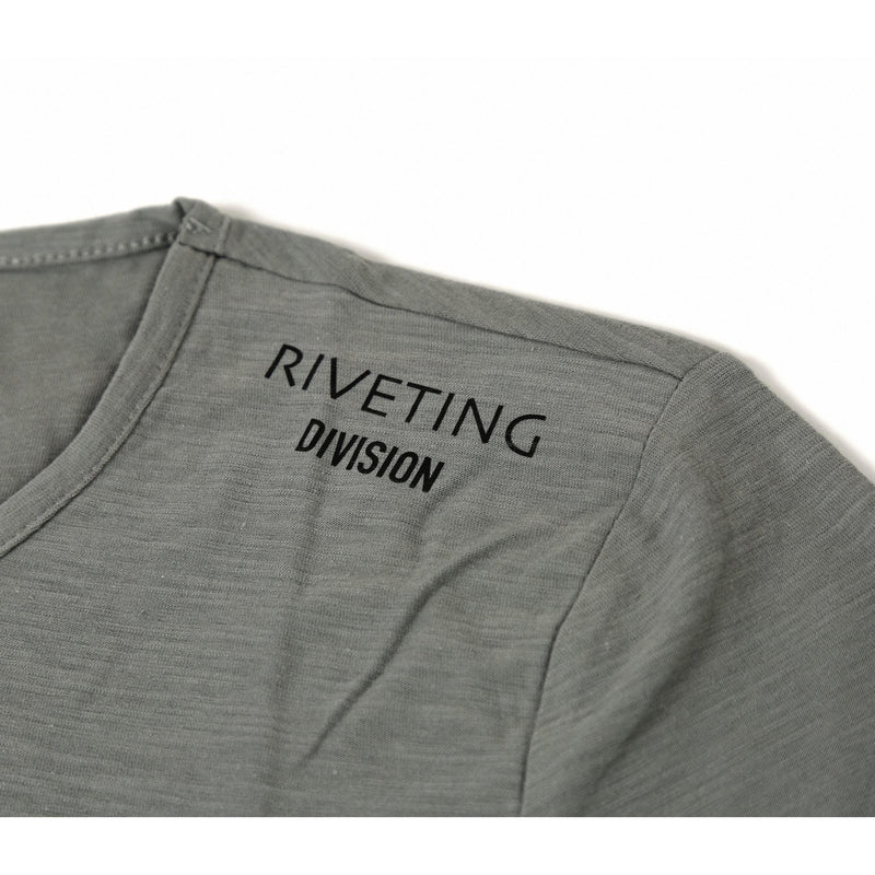 Venture Tee [Gray] - Riveting Division