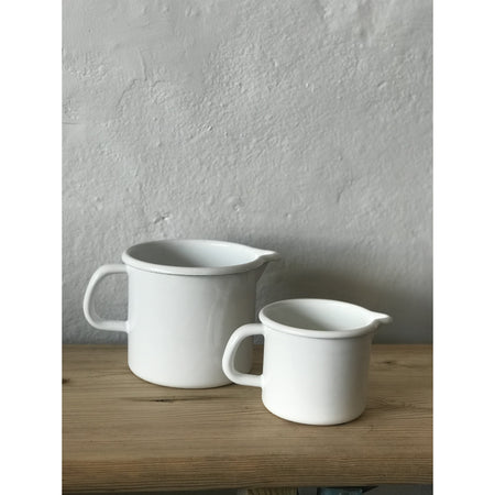 Pouring Jug - Farmhouse Enamelware