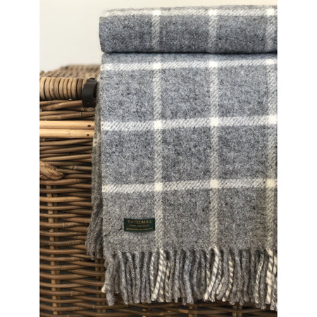 Chequered Check Throw in Grey