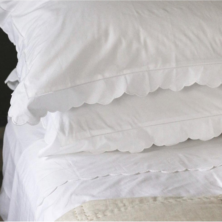 Scalloped Edge Pillowcase