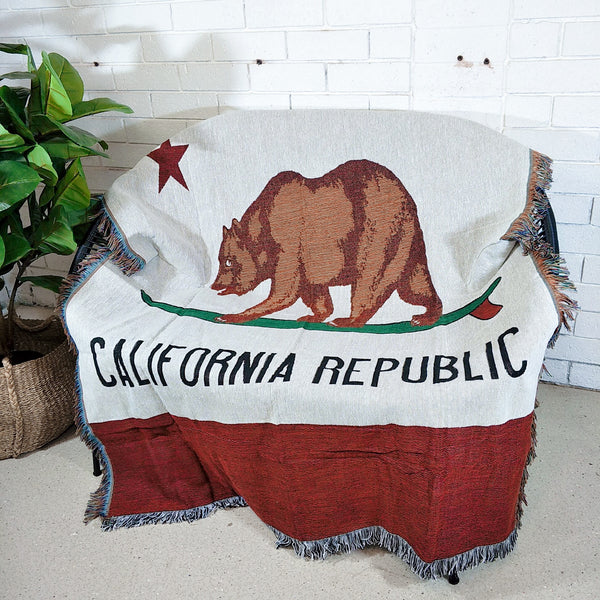 Decor Throw Rug- California Republic