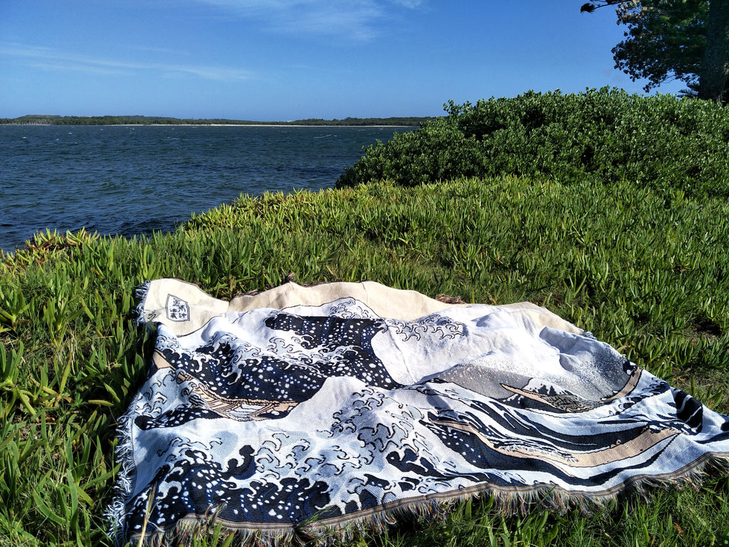 Woven Tapestry Picnic Rug Beach Blanket- Great Wave of Kanagawa