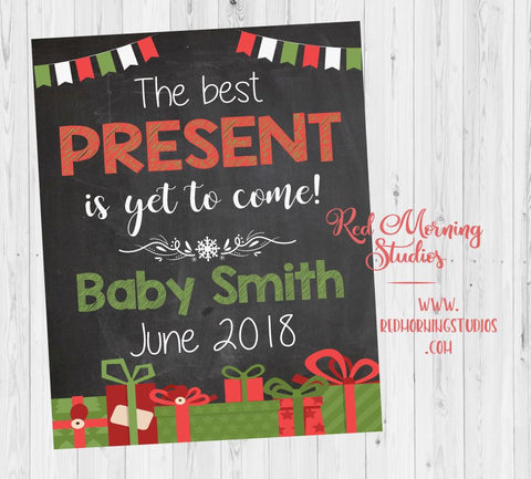 Christmas Pregnancy Reveal Sign. Christmas pregnancy announcement sign. Holiday best present is yet to come. new baby maternity photos