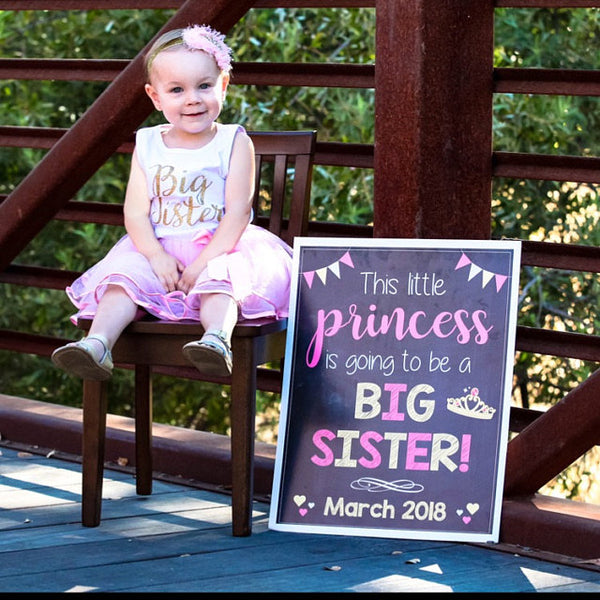 Princess Big Sister pregnancy reveal sign