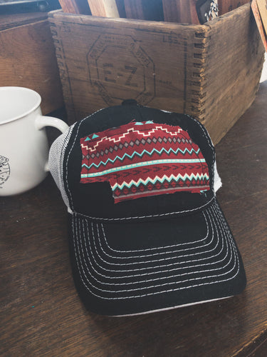 Tribal patch hat black/white mesh