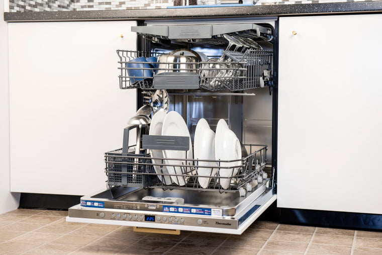 Thermador Topaz Series DWHD640JPR Fully Integrated Dishwasher