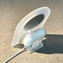 Beni — MagSafe wireless charging stand