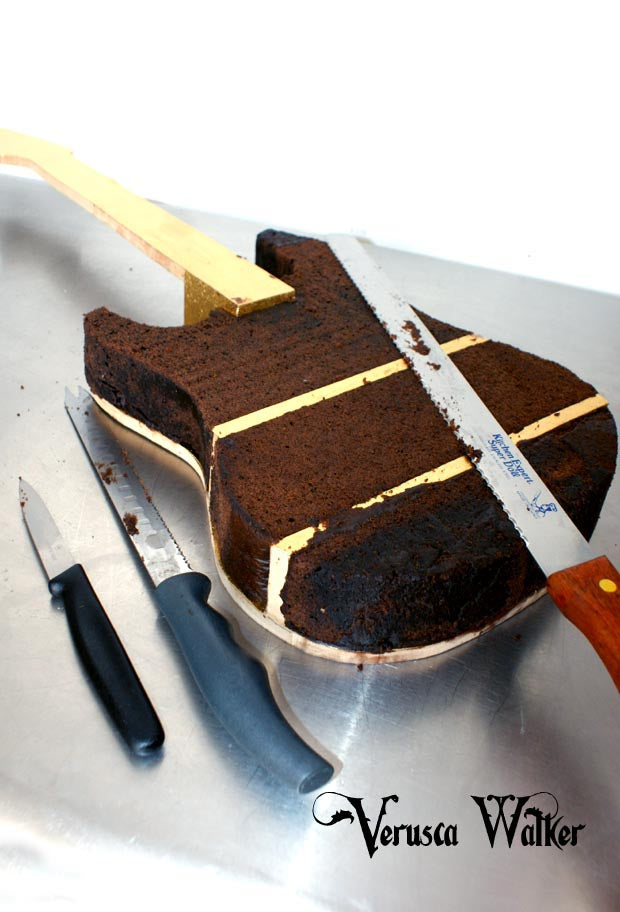 Electrical Guitar Cake Structure
