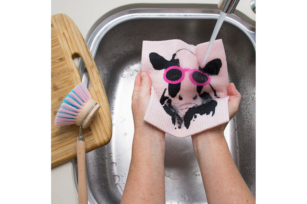 RetroKitchen compostable kitchen sponge_cow_in sink