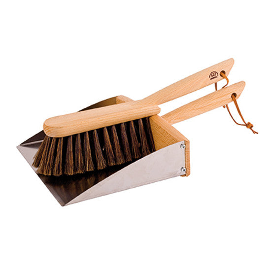 Dust Pan & Brush Set with Magnet