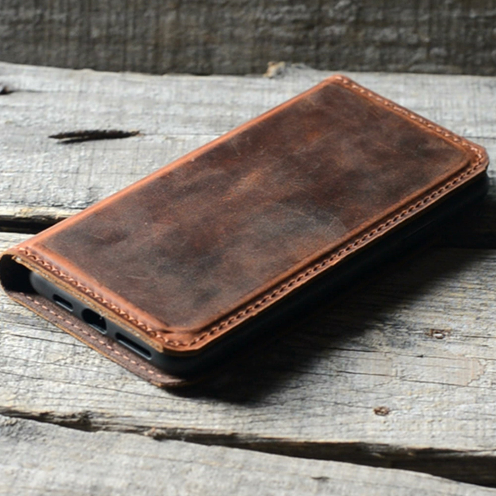 JJNUSA RFID Genuine Leather Distressed Wallet for Iphone 11 Magnetic Detachable Case Brown