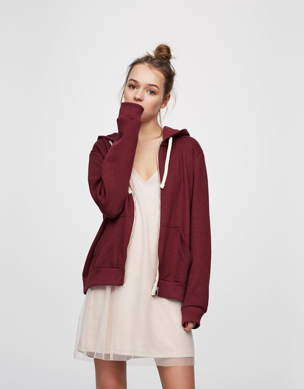 Basic zipped sweatshirt in Maroon colors