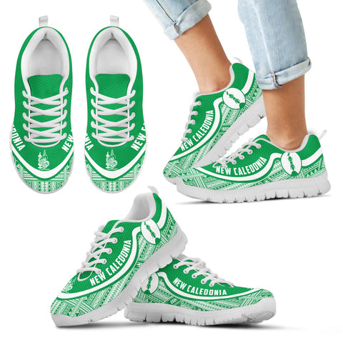 Image of New Caledonia Wave Sneakers - Polynesian Pattern White Green Color Th0