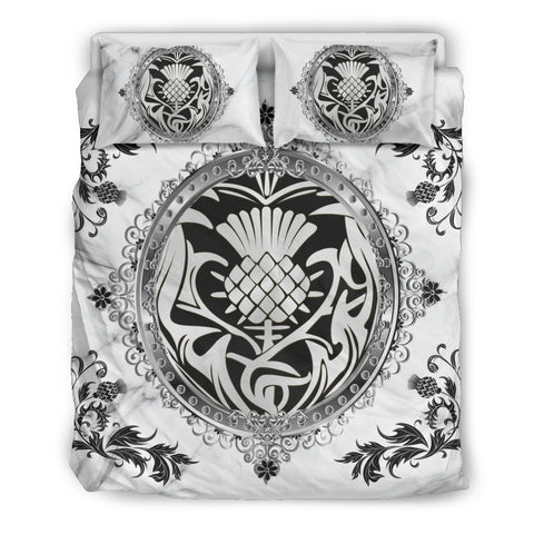 Luxury Silver Thistle Scotland™ Bedding Set K5 - White by 1sttheworld - 1sttheworld.com