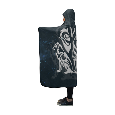 Image of Wolf Hooded Blanket - BN04