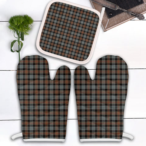 Image of Gunn Weathered Clan Tartan Scotland Oven Mitt And Pot-Holder (Set Of Two)