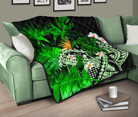 Kanaka Maoli (Hawaiian) Premium Quilt, Polynesian Pineapple Banana Leaves Turtle Tattoo Green