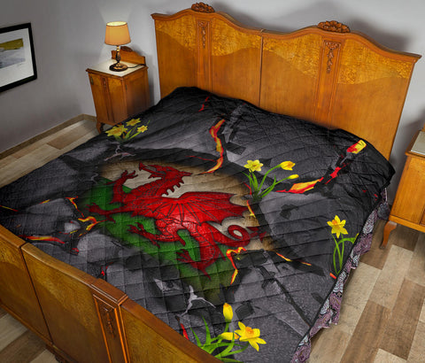 Image of Wales Premium Quilt - Welsh Dragon Daffodil Lava A02