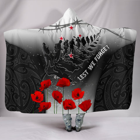 Image of New Zealand Anzac Hooded Blanket - Lest We Forget Poppy| 1sttheworld