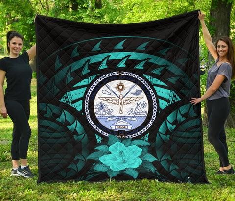 Image of Marshall Islands Hibiscus Premium Quilt (Turquoise) A02