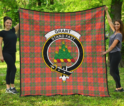 Grant Ancient Tartan Clan Badge Premium Quilt | 1sttheworld.com