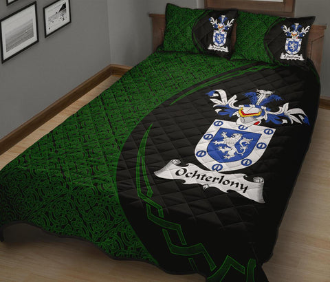 Family Crest Quilt Bed Set Circle