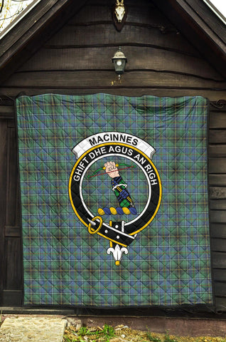 Image of MacInnes Ancient Tartan Clan Badge Premium Quilt | 1sttheworld.com