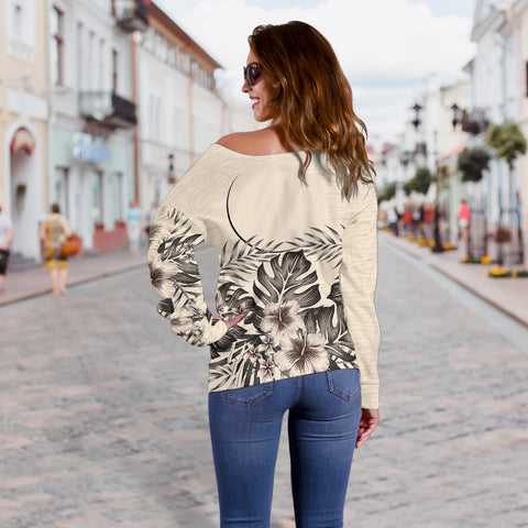 Palau The Beige Hibiscus Off Shoulder Sweater A7