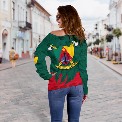 Cameroon Off Shoulder Sweater Lion K4