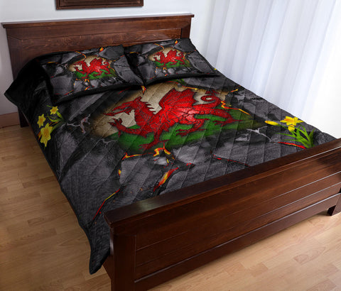 Wales Quilt Bed Set - Welsh Dragon Daffodil Lava | Love The World