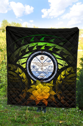 Image of Marshall Islands Hibiscus Premium Quilt (Reggae) A02
